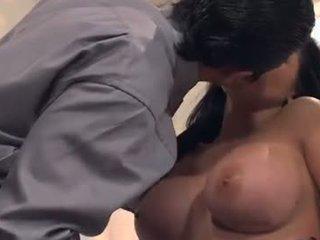 מין אוראלי, יחסי מין בנרתיק, קווקזי