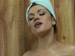 W a sauna z z two napalone lesbijskie wiek dojrzewania wideo