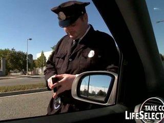 ホット 警察 女性 nailed ハード