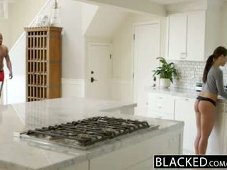 Blacked prijateljica adriana chechick cheats s a velika črno tič