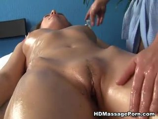 Blond løstøs enjoys sexy massasje session