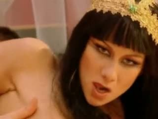 Julia taylor cleopatra ビデオ