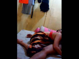 Indonesisch babe had haar poesje licked en fingered