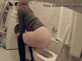 Min sister och henne friends fångad pee under en parten
