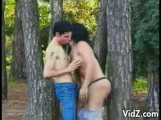 גבר אישה זונה מזוין ב the woods