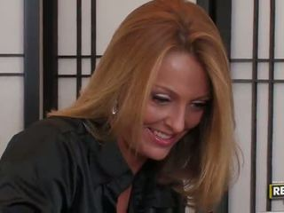 Bigtitted ξανθός/ιά μητέρα που θα ήθελα να γαμήσω brenda james has ένα mouthfull στο ο γραφείο