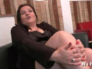 大美女 法国人 成熟 gets 她的 屁股 hammered