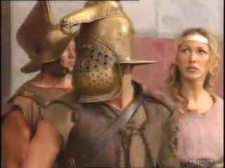 Rita faltoyano com um gladiator pt2