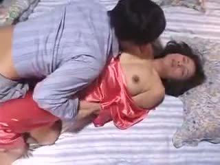 Mom-in-law को पेय लगना स्पर्म में सेक्स साथ बेटा में कानून