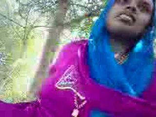 Punjabi aunty giving হাতের কাজ মধ্যে ঐ park