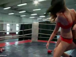 Hot wild young girls fighting