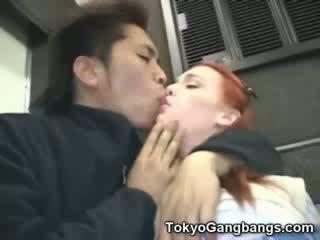 Beib valge tüdruk sisse tokyo subway!