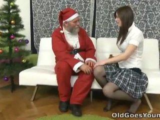 قديم santa clause gives شاب في سن المراهقة ل gift