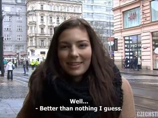 Splendido giovanissima fucks per contante