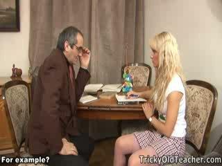 Manis blondie kacau brutally oleh dia sesat guru.