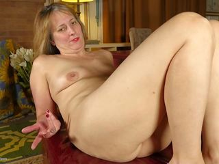 Mature Wife and Mom with Thirsty Old Cunt: Free HD Porn 6f