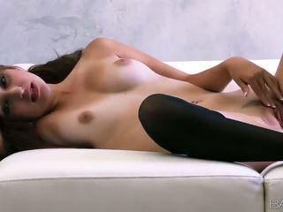 Superb nga bé natasha malkova fondles cô ấy đẹp titties và âm hộ video