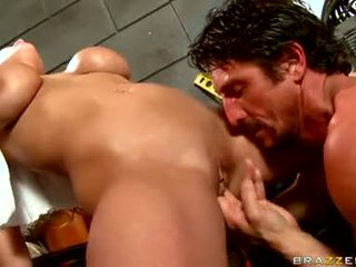 Alanah rae got fingered keras oleh lusty fellow