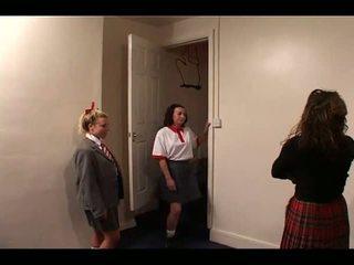 Skoolgirls spanked द्वारा टीचर, फ्री स्पॅंकिंग पॉर्न वीडियो e1