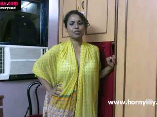 Ινδικό μωρό lily chatting με αυτήν fans - mysexylily.com
