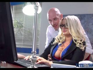 Pakikipagtalik may thick ginintuan ang buhok sekretarya, Libre pornograpya 41