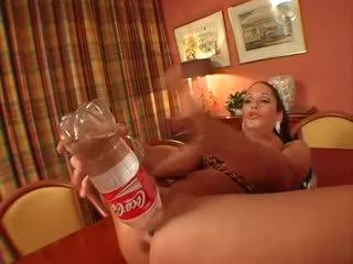 Príťažlivé milfka ayla mia fucked ťažký video
