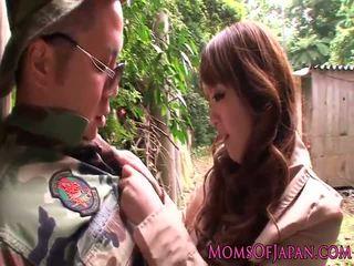 Monsterboobs pornostjerne hitomi tanaka outdoors