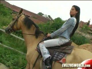 Klara smetanova - seksowne na farma