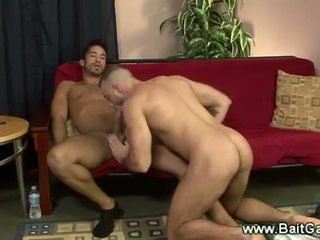 Heteroseksueel en homo guys doing een sixtynine