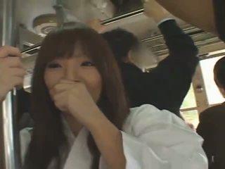 Busty nhật bản cô gái hitomi tanaka banged trong công khai