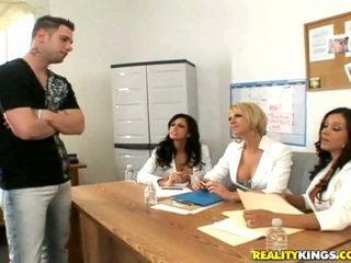 Francesca, シャイ, brianna と a male モデル