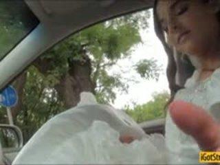 Runaway nevěsta amirah adara pounded s stranger v a auto