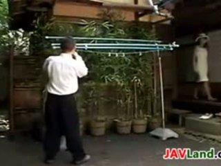 Giapponese milf succhiare suo neighbors cazzo