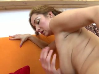 Impresionante madura no madre fucks su joven lover: hd porno 5b
