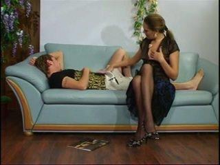 Ρωσικό ώριμος/η θεία με νέος αγόρι.