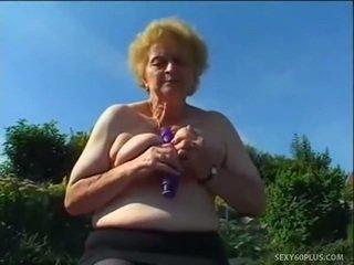 Zralý donna uvnitř punčochy has velký joystick