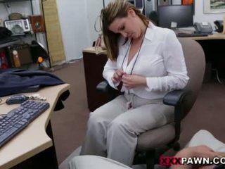 Booby bedrijf dame banged door pawn dude