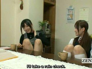 Subtitled lesbian jepang guru bath dengan pelajar putri