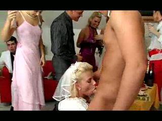 Perkahwinan pesta seks berkumpulan video