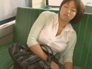 Sleepy 女孩 used 由 pervert