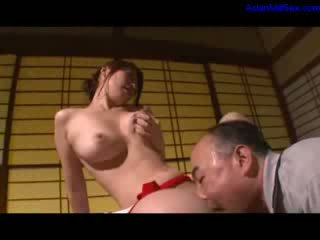Καυτά μητέρα που θα ήθελα να γαμήσω μαλακία getting αυτήν μαλλιαρό μουνί licked και fingered με σύζυγος επί ο γραφείο σε ο δωμάτιο