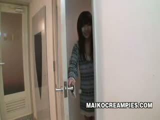 Japán diáklány szar