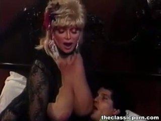 Blond lits koos suur tissid fucks guy