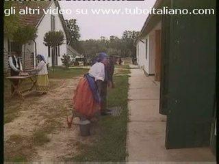 Porca italiana warga itali perempuan tak senonoh
