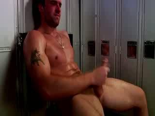 Handsome muscular jock masturboimassa