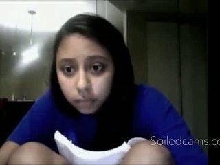 若い ラティナ fingers 彼女自身 上の カム -more カム アット soiledcams.com