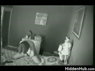 Ibu tertangkap onani oleh sebuah tersembunyi camera
