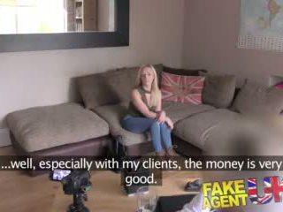 Fakeagentuk 小柄な スコットランドの stripper gets 深い プッシー クソ で ハードコア キャスティング ビデオ
