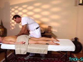 Vroče blondes oily masaža