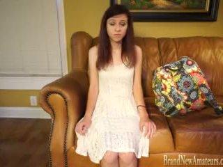 Adoleshent vajzë katie në aktorët kolltuk qij session